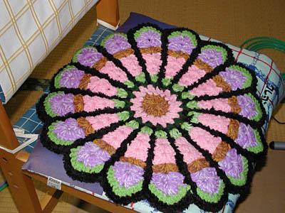 手編み座布団