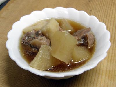 豚肉と大根と里芋の煮物